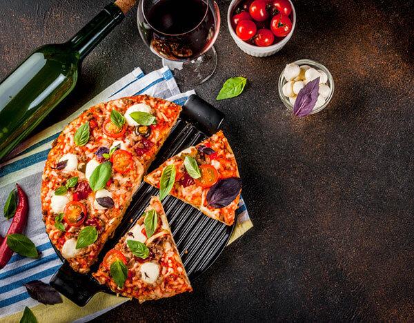 Accord vin pizza : quel vin choisir - Enoteca Divino