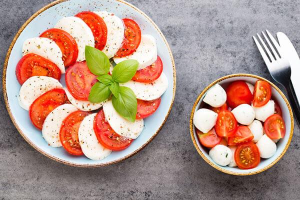 Accompagnement vin salade tomate mozza - Enoteca Divino